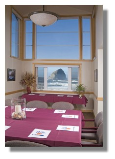 Inn at Cape Kiwanda - room with Haystack in background