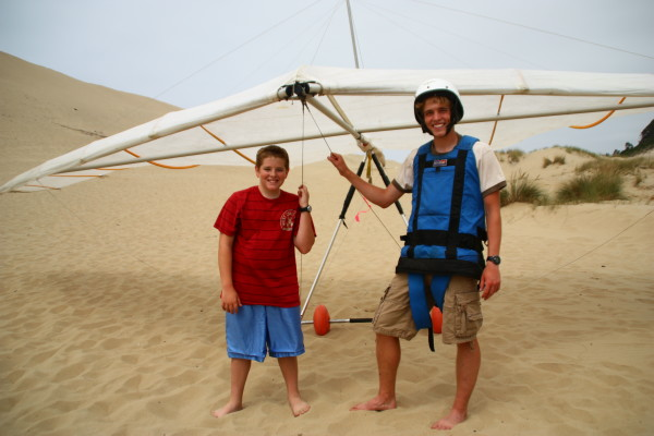 Hang Gliding in Pacific City - nice day of Hang Gliding