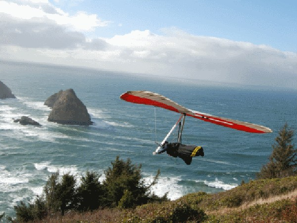 Hang Gliding in Pacific City  and the Pacific Ocean